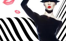 极简时尚黑白风服装行业通用促销H5模板缩略图